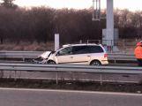 Dálnici D4 u Mníšku uzavřela vážná dopravní nehoda