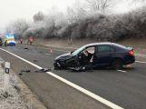 Aktuálně: Silnici u Milína uzavřela vážná nehoda dvou vozů