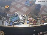 Policie hledá muže, který v pátek přepadl čerpací stanici v Milíně