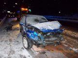Sníh komplikuje dopravu, na dálnici D4 se srazily dva vozy
