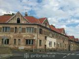 Dražba domů v Březnické ulici v Příbrami se odkládá