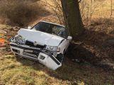Nákladní vůz autoškoly smetl u Obor felicii