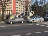 V ulici Čs. armády srazil vůz cyklistu na přechodu