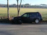 Čelní naráz dvou vozů zastavil dopravu u Solopysk