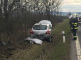Auto u Vranovic skončilo v příkopu