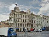 Molnár i Pikrt budou hlasovat proti prodeji bytů v centru města