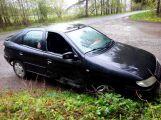 V Bohutíně stojí už několik dní opuštěný automobil