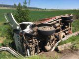 Právě teď : Vážná dopravní nehoda zastavila provoz u Obecnice