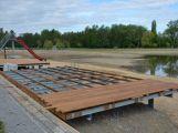 Hladina Nového rybníka stoupá denně o 12 cm, podle radnice by to k napuštění mělo stačit