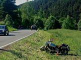 Mezi obcemi Obory a Velká bourali motorkáři