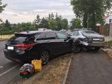 Právě teď: Nehoda tří vozů omezuje provoz v Pražské ulici na Dobříši