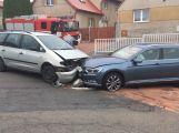 Dvě auta se srazila v Dobříši v ulici Part. Svobody