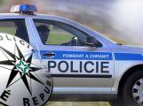 Zfetovaný mladík se násilím dožadoval vstupu do domu a pak zaútočil i na policejní hlídku