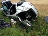 Pro středně těžce zraněnou spolujezdkyni u Strýčkov letěl vrtulník
