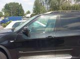 Řidič nechal psa v poledne v autě několik desítek minut