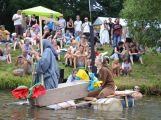 Skalecká pouť v Mníšku nabídne dnes i zítra koncerty, divadlo nebo tradiční neckyádu