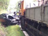 Právě teď: Čelní náraz osobního vozu s nákladním zastavil dopravu u Obor