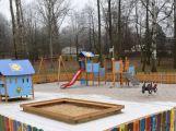 Na Rákosníčkově hřišti na Nováku se nikdy žádné jehly nenašly, říká tisková mluvčí města
