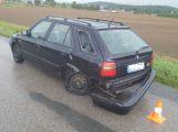 Aktuálně: U Březnice skončilo auto v příkopu