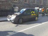 Aktuálně: Husova ulice je kvůli srážce dvou vozidel neprůjezdná