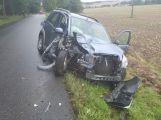 Právě teď: U Třebska narazil osobní vůz do stromu