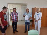 Fotbalisté z Milína vybrali přes 8 tisíc pro příbramskou nemocnici