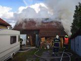 Při požáru ve Voznici napáchaly plameny škodu za milion