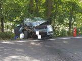 Právě teď: Auto u Hluboše narazilo do stromu. V místě přistává vrtulník pro zraněné dítě
