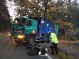 Právě teď: U Jablonné došlo ke střetu nákladního vozidla s motorkářem