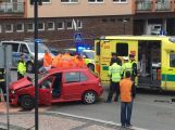 Právě teď: Sanitka spěchající pro pacienta havarovala s osobním vozem v Sedlčanech
