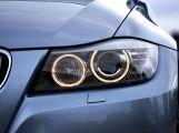 Povinnost mít rozsvícená světla stále ještě hodně řidičů nedodržuje