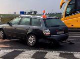 Aktuálně: Průjezd křižovatkou u obce Lety blokují dvě havarovaná vozidla