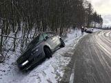 Citroën skončil v příkopu