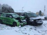 Ledovka na silnicích si vybírá další daň, na silnici I/4 došlo k nehodě tří osobních vozidel