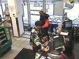Poznáte zloděje na záběrech z bezpečnostní kamery?