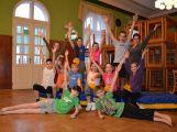 Cvičí mladí, staří, Méďové, Borci i celý Cirkus