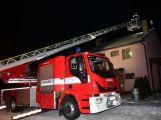 Právě teď: Hasiči likvidují požár sazí v komíně