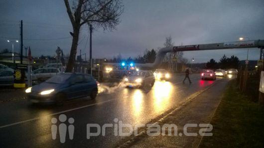Dopravu u Kauflandu ráno blokovala hromadná nehoda