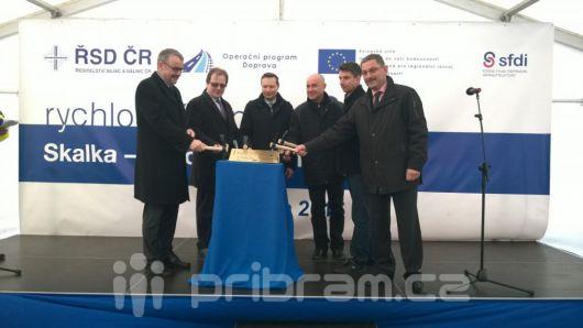 Na Příbramsku začala výstavba nového úseku silnice R4
