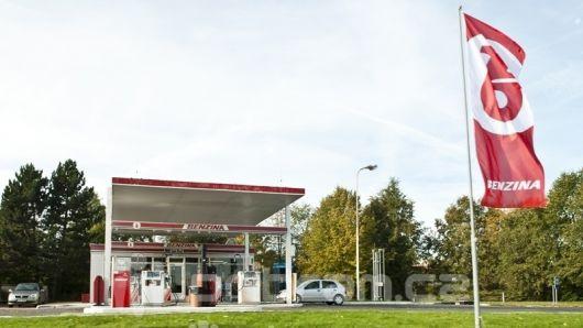 Ceny pohonných hmot ve středních Čechách znovu mírně klesly