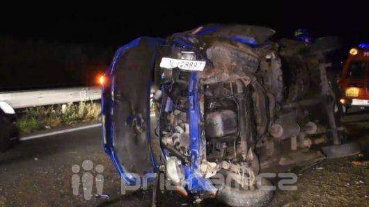 Dálnici ve směru od Prahy včera uzavřela vážná nehoda