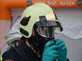 Obrazem: Taktické cvičení složek IZS na příbramském zimním stadionu (23)