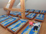 Za prostředky z dotací byla vybudována ložnice ve školce pod Svatou Horou (3)