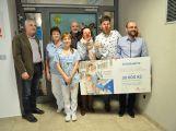 Organizace Zdravotní klauni věnovala 30 tisíc korun dětskému oddělení příbramské nemocnice (3)