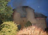 Hasiči zachránili ženu při požáru rodinného domu v Příbrami (10)