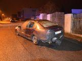Žhář zapálil auto, to bylo téměř zcela zničeno ()