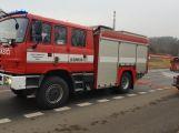 Hasiči vyjeli k hořícímu nákladnímu autu (2)