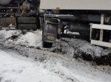 Právě teď: Cisterna plná mléka se neudržela na silnici a sjela do příkopu (2)