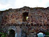 zřícenina hradu Valdek - nádvoří (10)