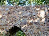 zřícenina hradu Valdek - hradní brána (2)